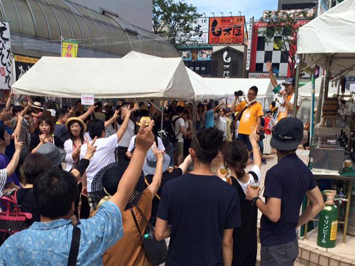 「秋田地ビール三大祭り」の一つ「クラフトビアフェスティバル in AKITA」会場の様子