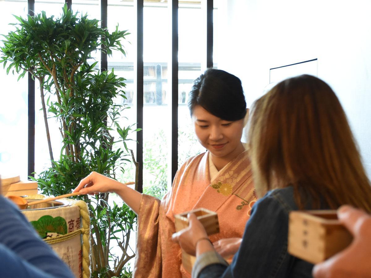 秋田キャッスルホテルが開く外国人観光客向け伝統文化体験イベントの様子(写真は前回)