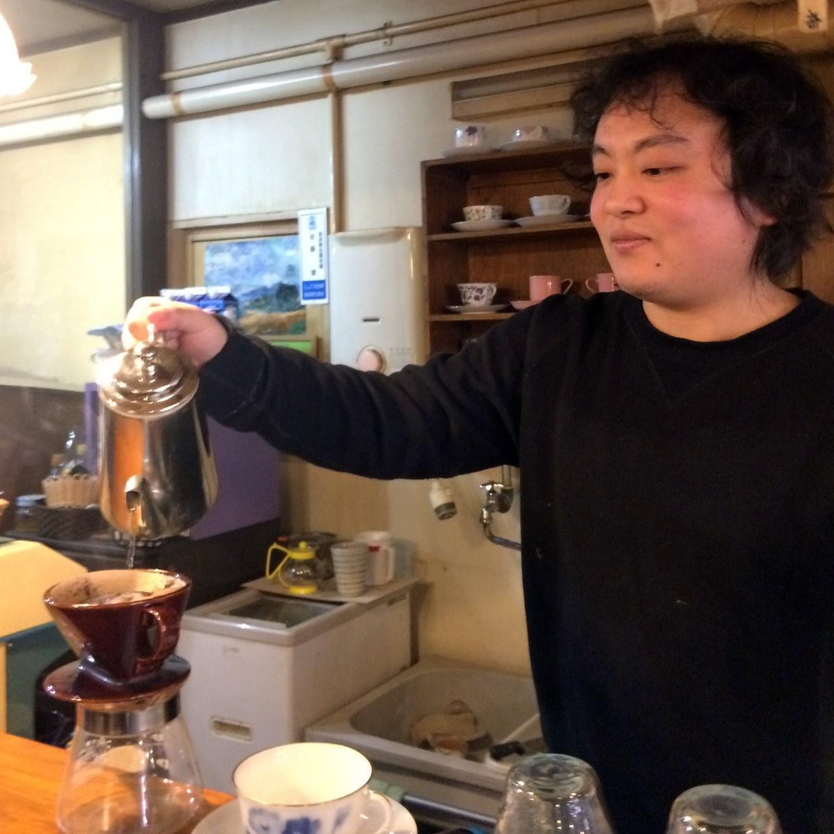 25周年を迎えるコーヒー豆専門店「アラジン珈琲」店主の大島靖さん