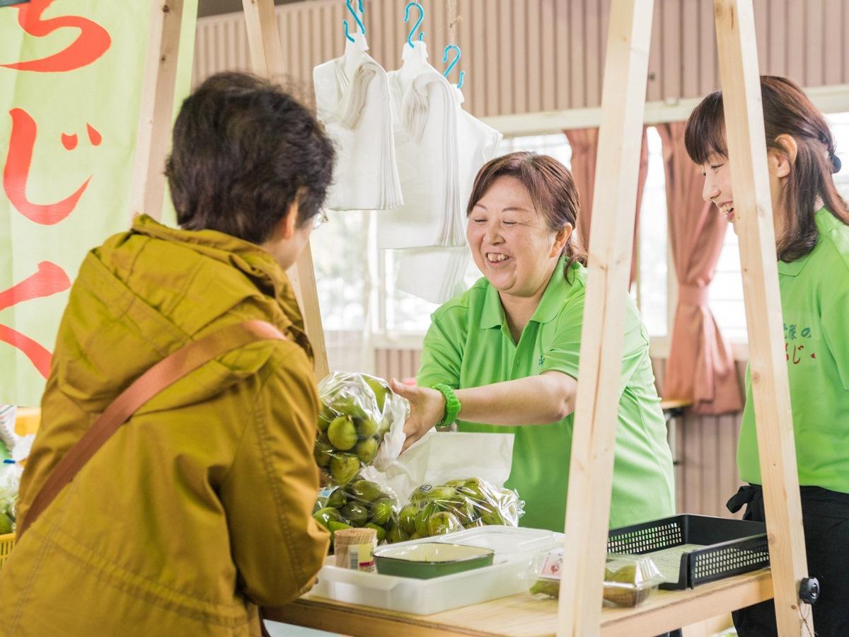 秋田県にかほ市で開かれる「いちじくいち」