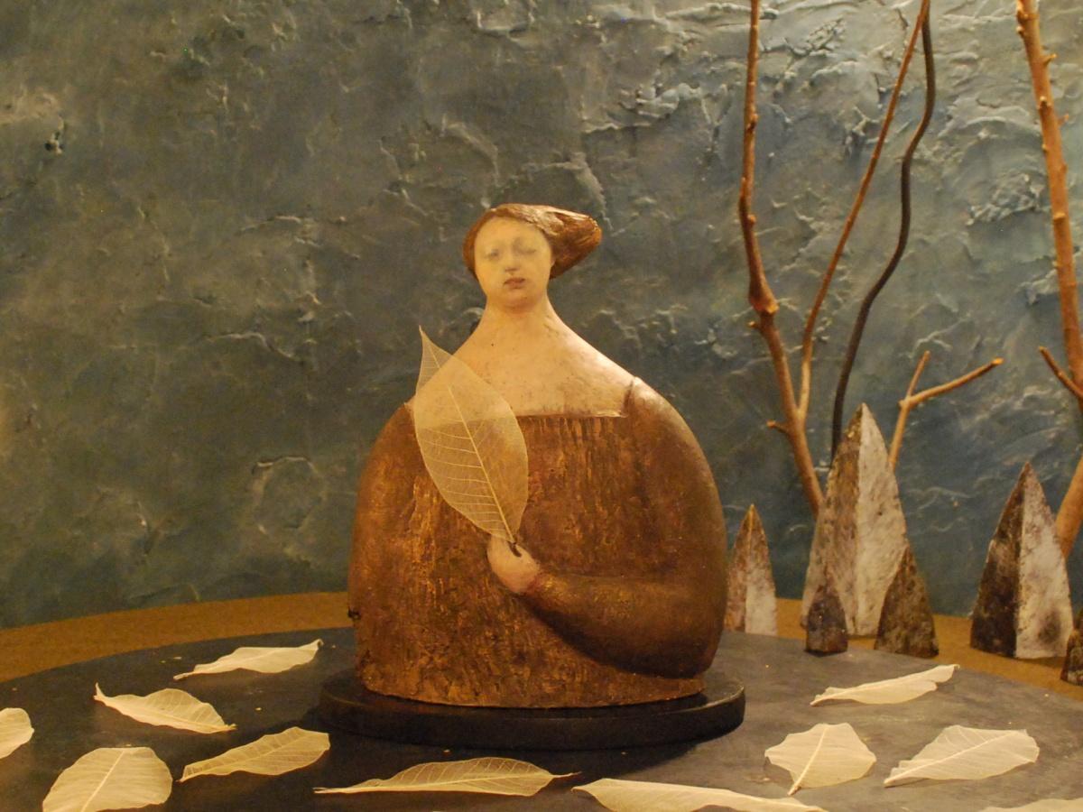 秋田で女性彫刻家が個展 川反のカフェに母子像など10点展示 - 秋田経済新聞