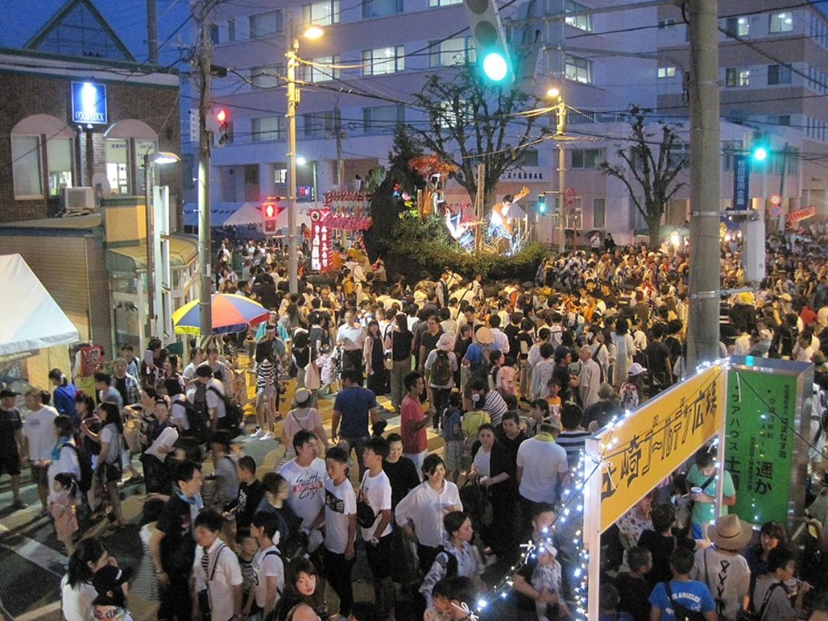 複合イベント「土崎ゴールデン広場」会場の様子(写真は昨年)