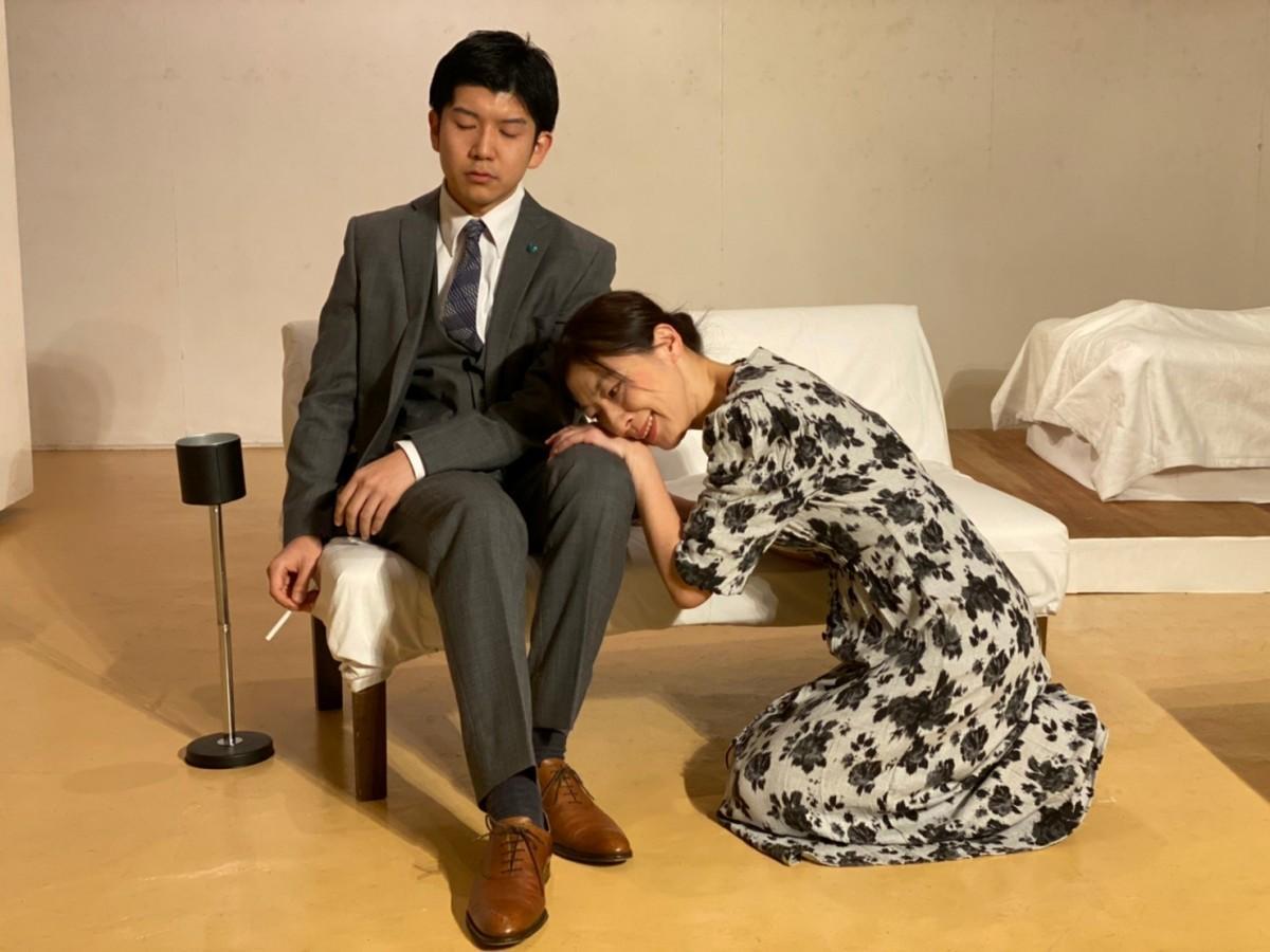 12年ぶりの公演を行った劇団「アジアンカフェ」演目の一場面