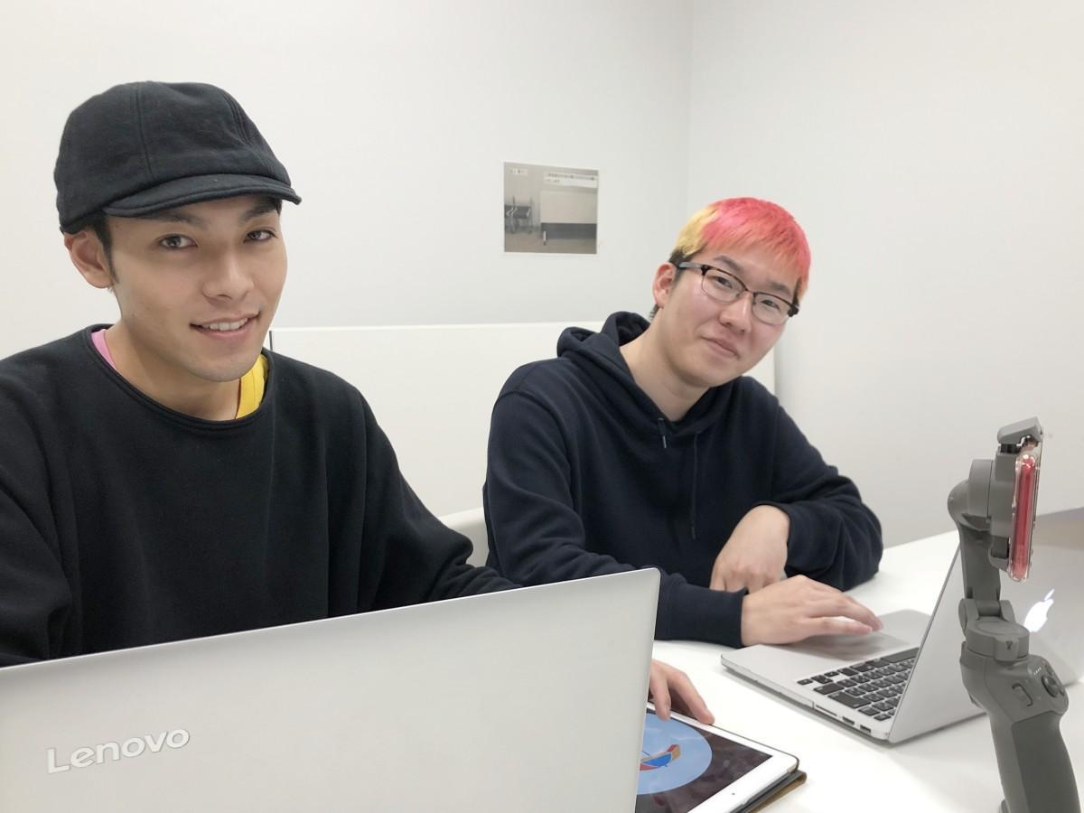 ご当地アイスの事業化を進める鈴木大貴さん(右)と菅原一聖さん(左)