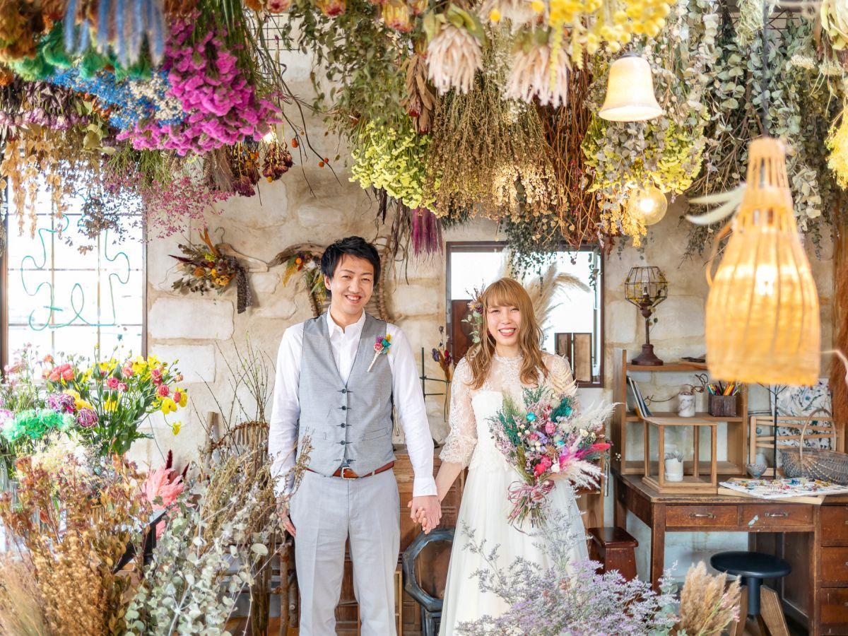 秋田市外旭川のフラワーショップ「greenpiece」を会場に撮影するブライダルフォト作例