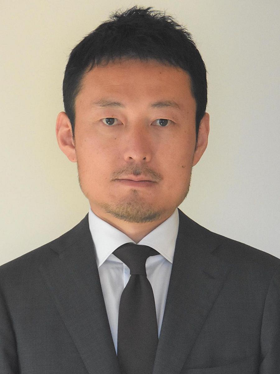 公開講座「水曜日の地域考」で講師を務める秋田魁新報記者の松川敦志さん