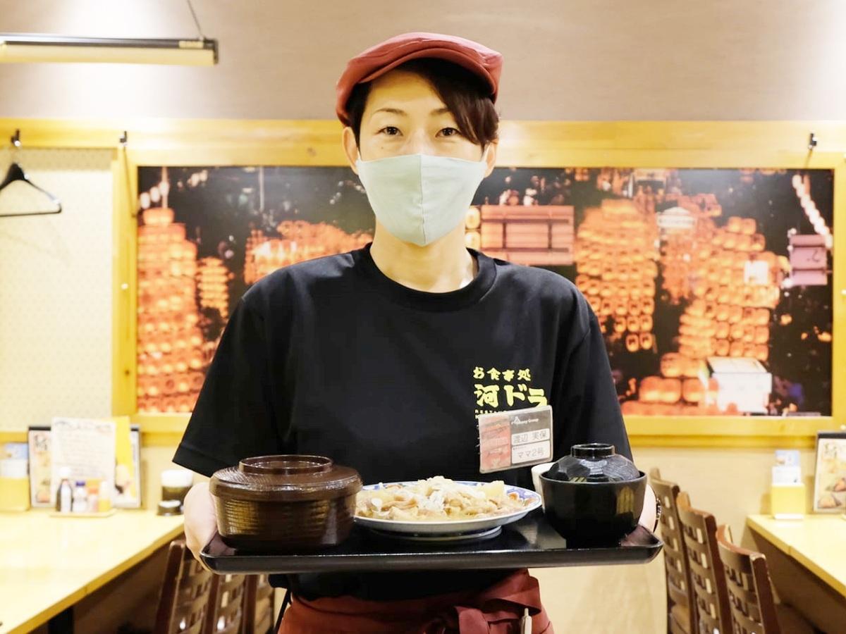 ランチタイム限定で営業する「河辺ドライブイン秋田駅前店」