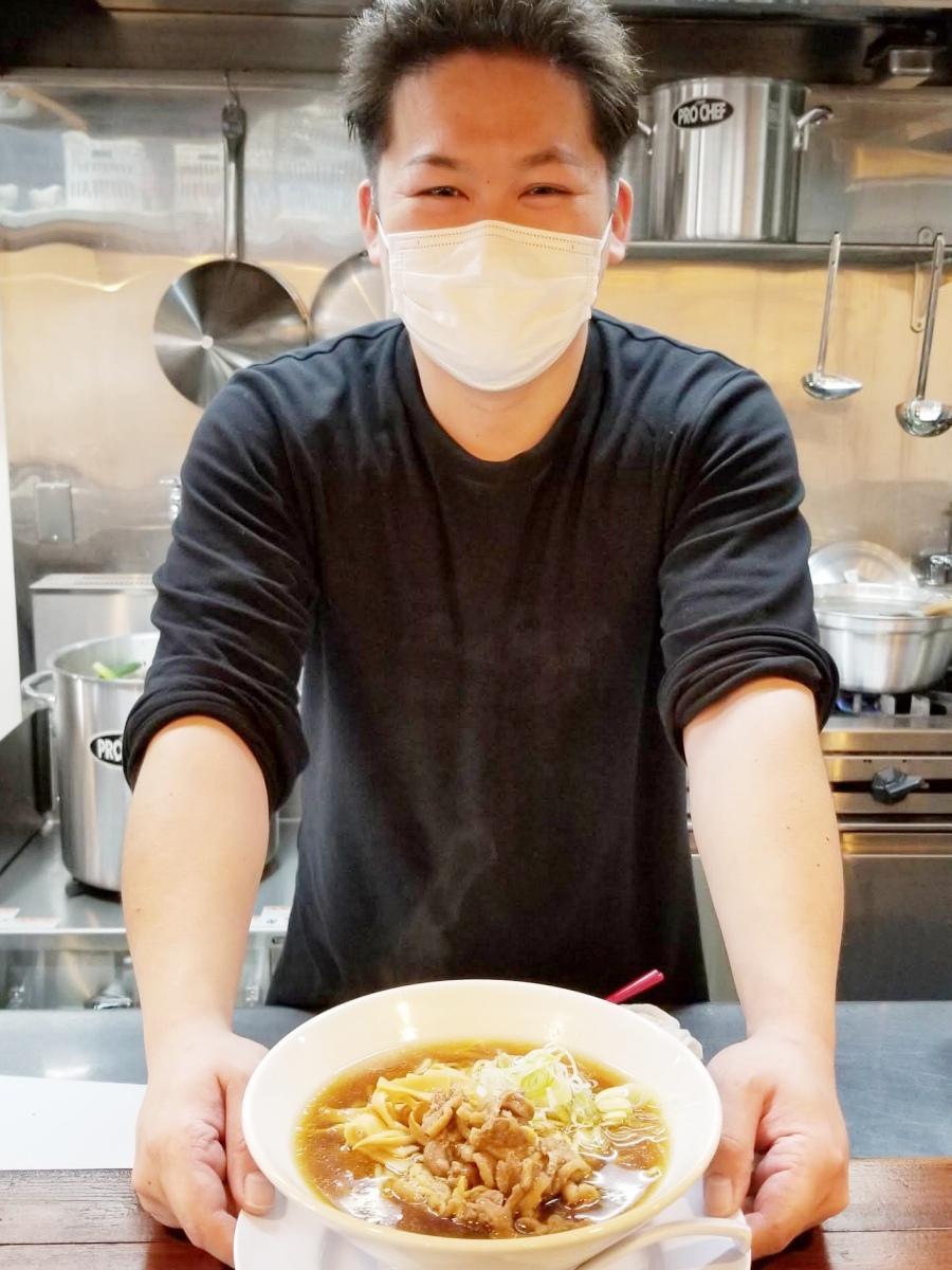 秋田市仲小路商店街にラーメン店「親鶏らぁ麺 いし川」を出店した石川裕さん