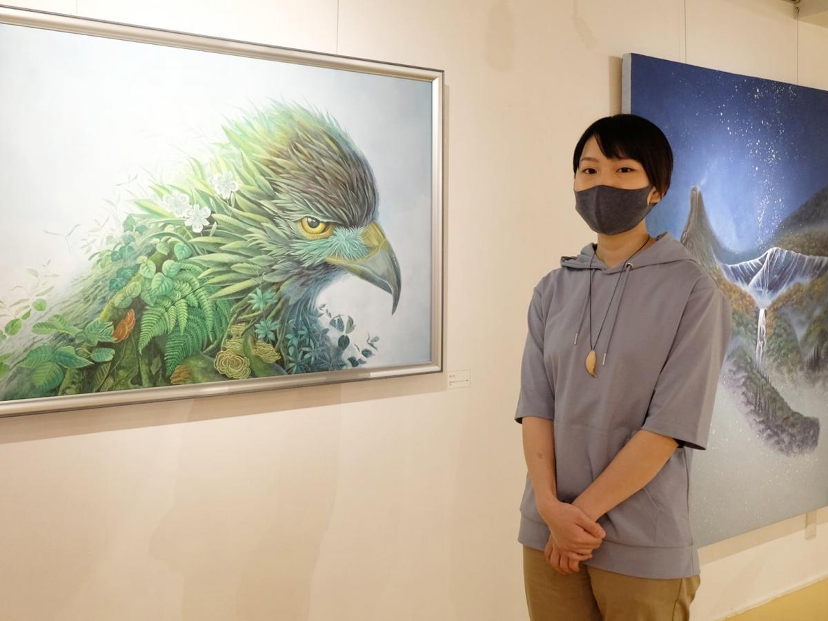 造形作家の父と親子展「生命のとらえかた」を開く画家の永沢碧衣さん