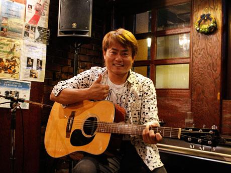 尼崎市出身のミュージシャン・橋本仁さん