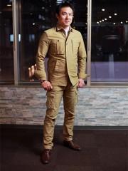 尼崎の内装工事会社が「ワーキングスーツ」 作業服とビジネススーツを融合