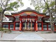 尼崎の生島神社で「心静まる」ヨガ教室 寺社を地域のよりどころに