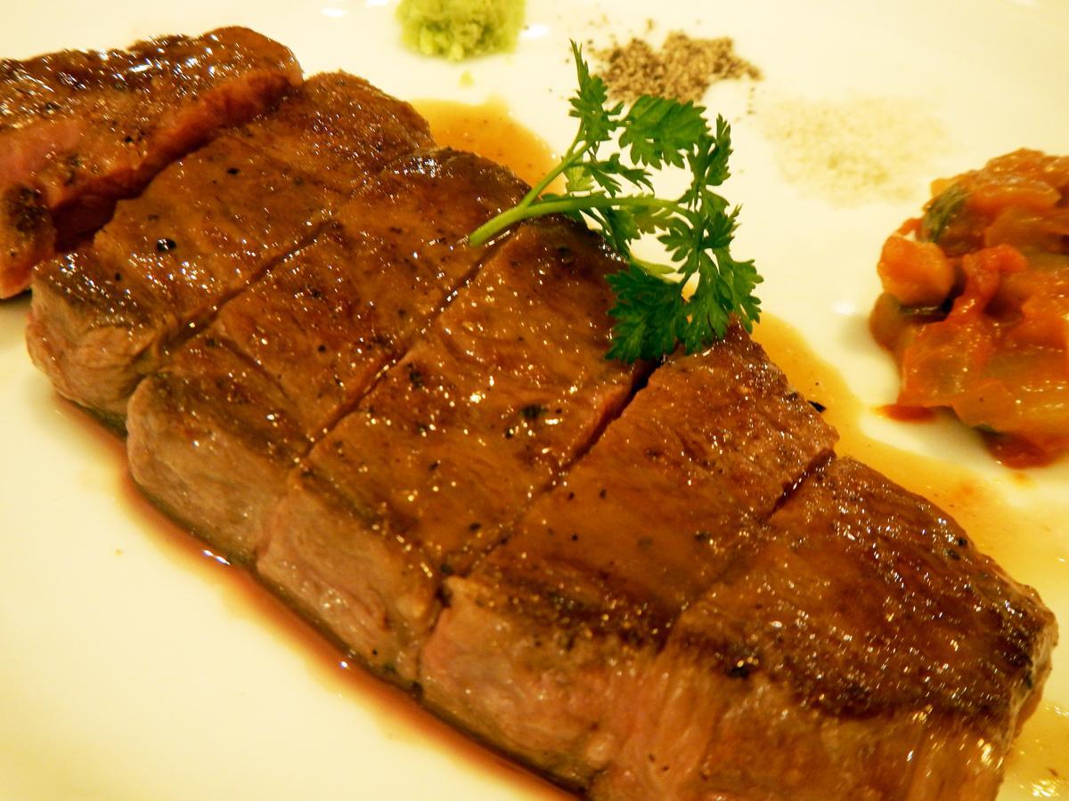 「ウチヒラのステーキ」