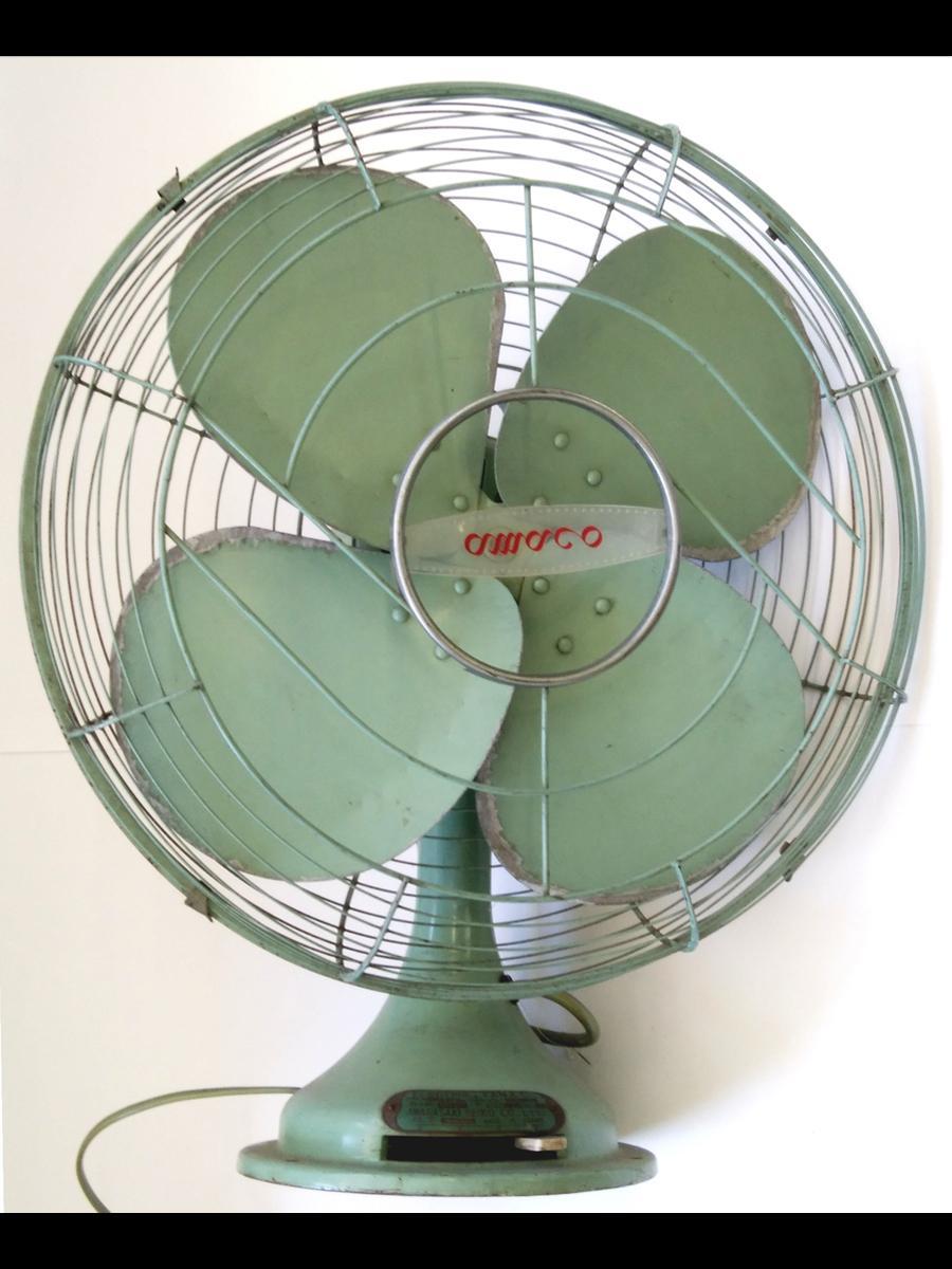 尼崎のメーカー製造の扇風機。1955(昭和30)年ごろ