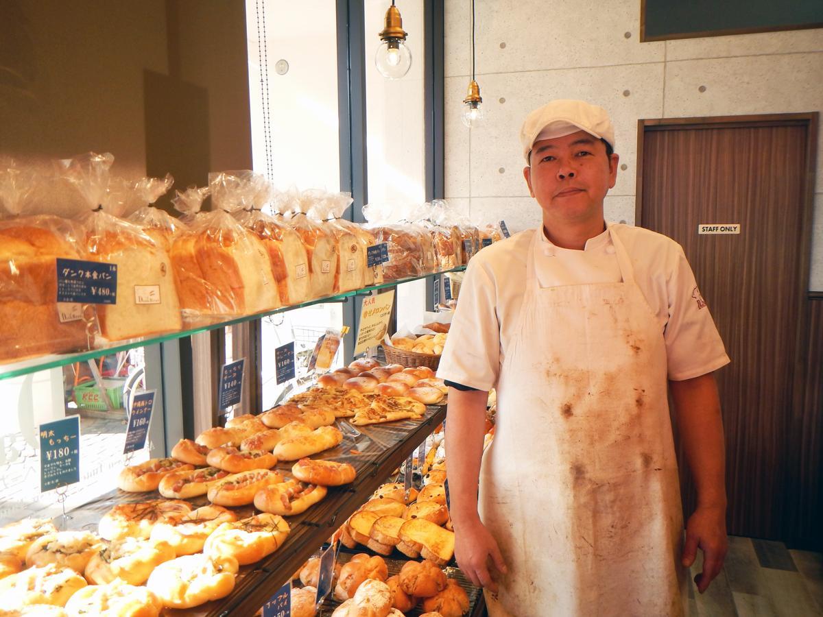 店長の阿部さんはダンクブロート本店で腕を振るって来たパン職人