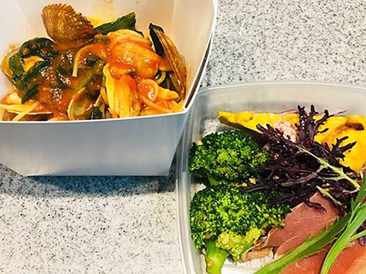 本日のパスタと3種の前菜が付くランチボックス一例