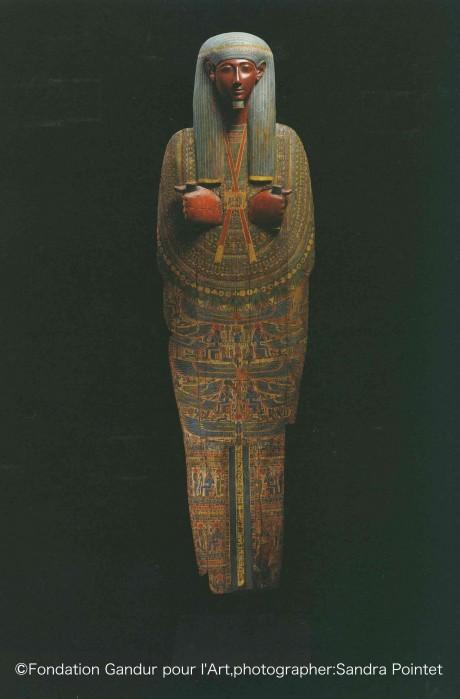 〈マミーボード(ミイラに被せられた木製の蓋)〉エジプト第3中間期(紀元前1080-664年) ガンドゥール美術財団蔵