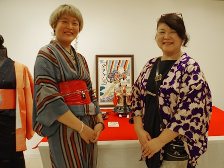 (左から)ミシェル由衣さん、鈴木順子さん