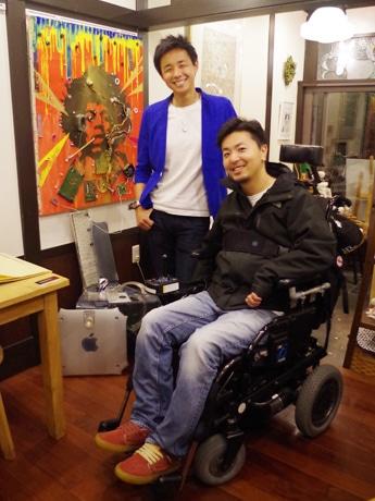 (左から)冒険家・阿部雅龍さんとエクストリームペインター・TAKAさん