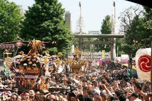 浅草神社 今年も150万人以上の人出を見込む