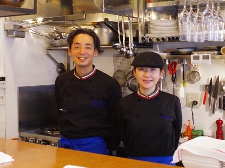 (左から)「イタリア料理アクアリオ」の吉良英章さん、江里子さん