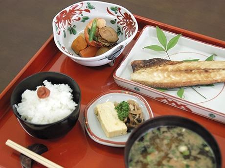 浅草で「大人のままごと」 日本の家庭料理の基本を体験できるサービス
