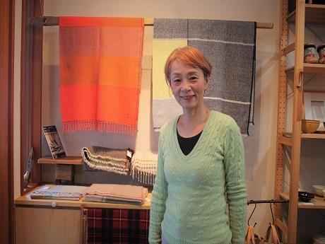 鳥越の手織り・草木染工房が6周年 オーダーメードで作る手仕事ストール