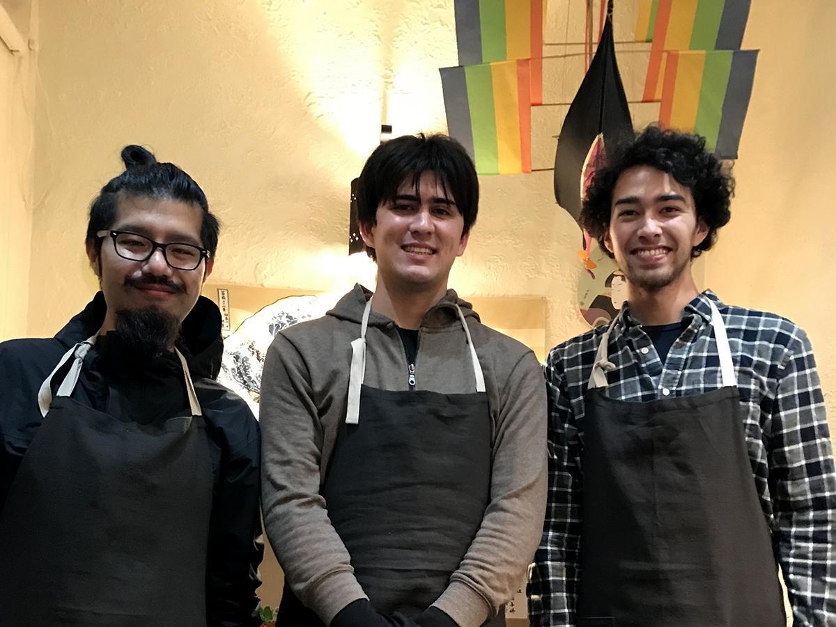 岩崎さん(左)、ジュリアンさん(真ん中)、ミシェルさん(右)