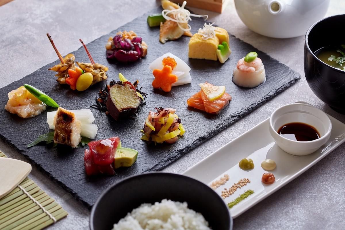 日本各地の食材を取り入れた12種類のおばんざい