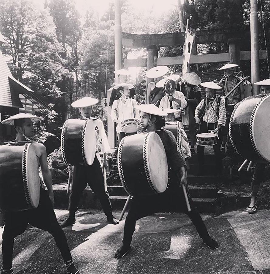 「日本を江戸にせよ!」を合言葉に、日本各地を駆け巡る和楽器集団「切腹ピストルズ」