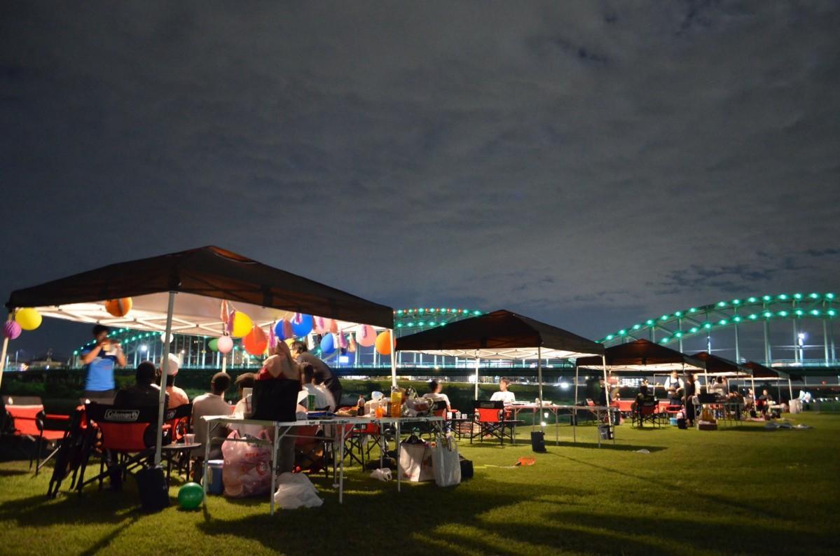 キャンプ、バーベキュー、ライブ鑑賞、ケータリングなど様々な楽しみ方がある