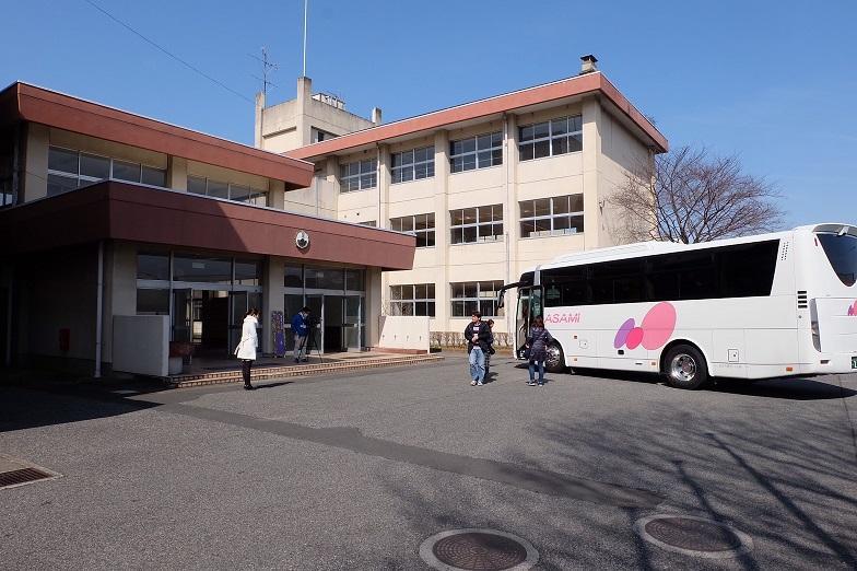 1位は「今日から俺は!!」ロケ地を巡るバスツアー(昨年開催の写真)