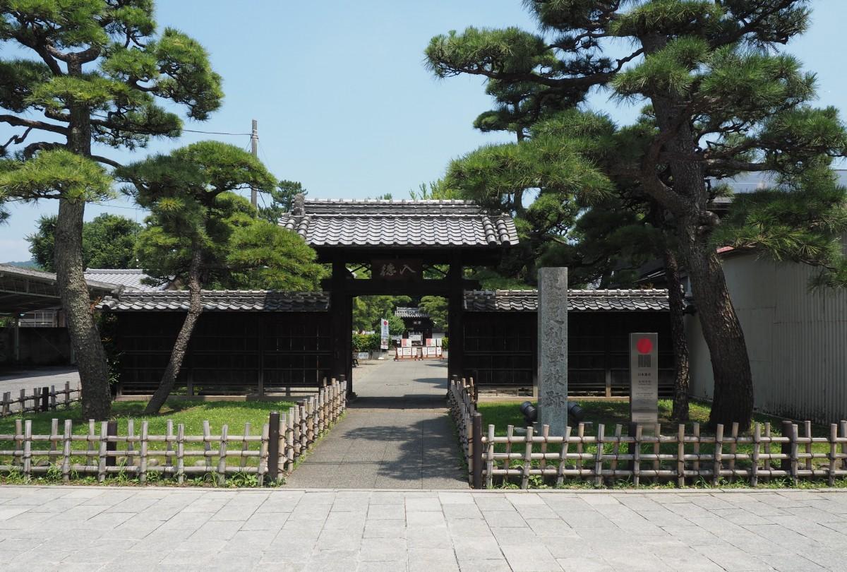 日本最古の学校として知られる「足利学校」もルートに