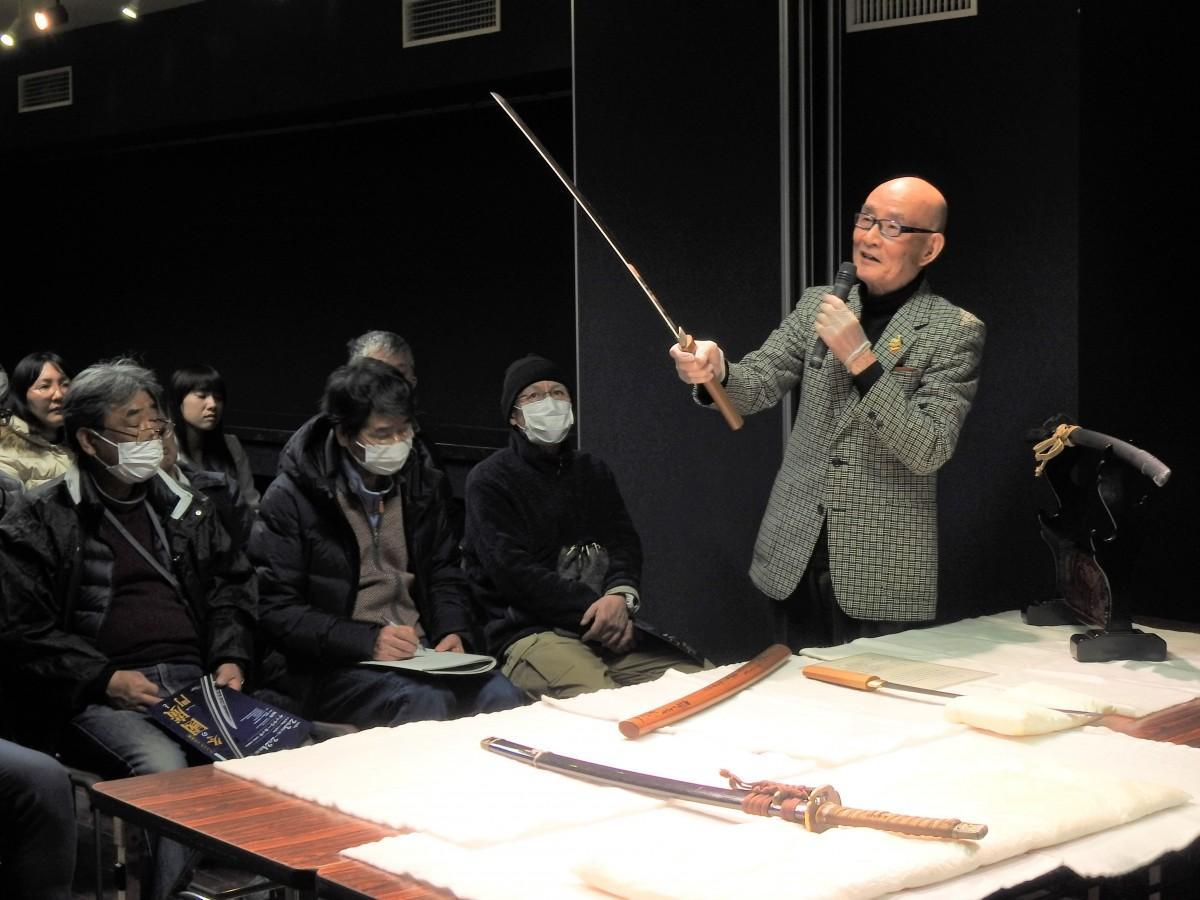 1959(昭和34)年に立ち上げた「足利郷土刀剣研究会」の田部井勇さん