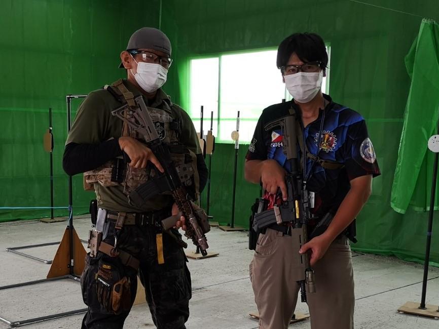 「Air Arms」の吉田店長(左)とインストラクターの設楽さん(右)
