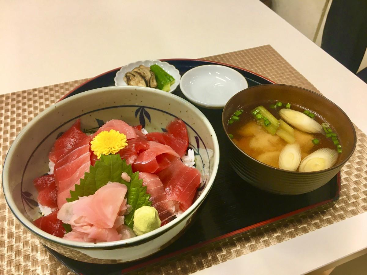 「鮪音」のマグロ丼
