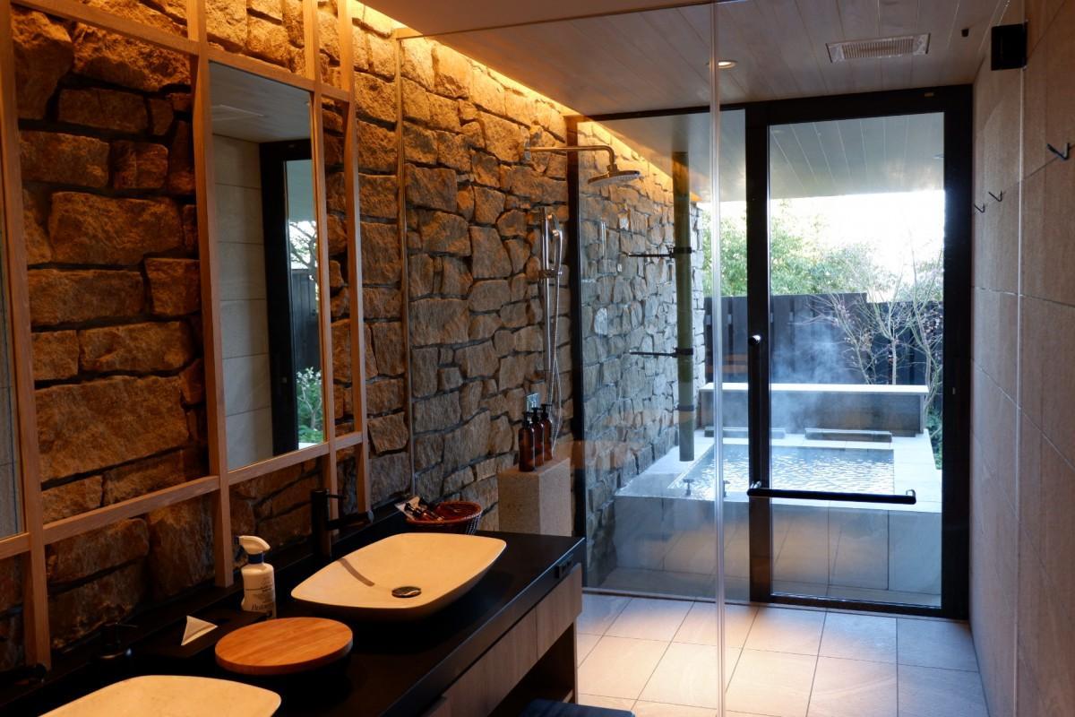 露天風呂付き新客室の「jardin-郭-」