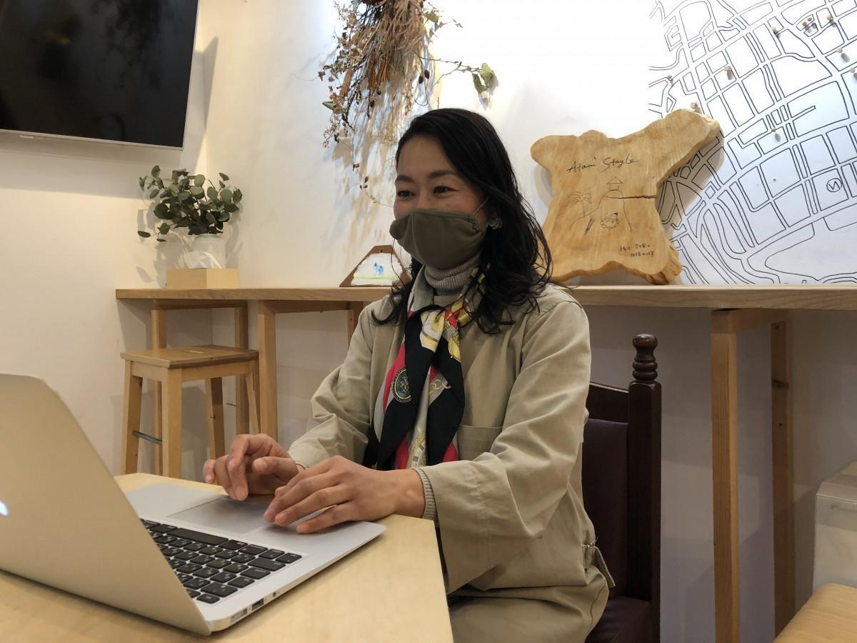 熱海で移住サポートを行う「Atami Stayle」の中屋香織さん