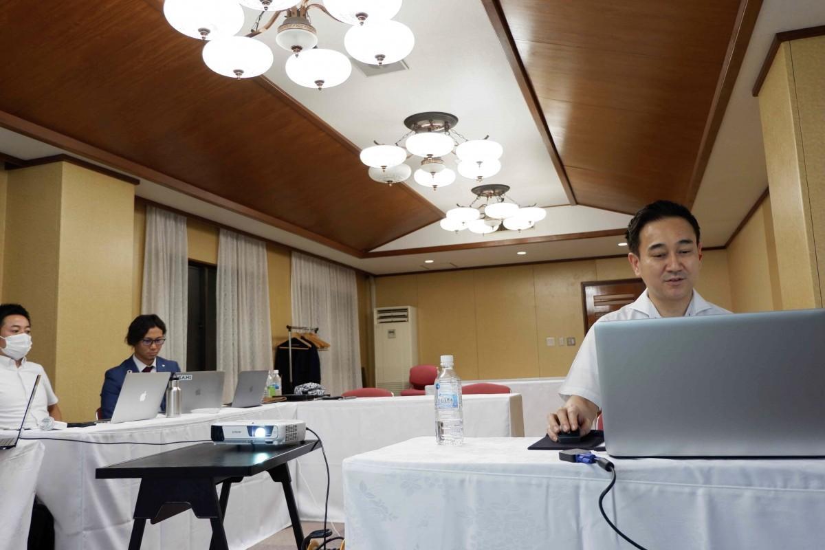 オンラインセミナーの講師を務めた内田宗一郎社長