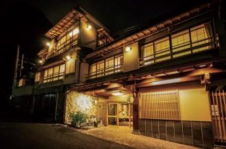 熱海の老舗旅館「法悦」、地元のバーと地産地消のコラボカクテル開発