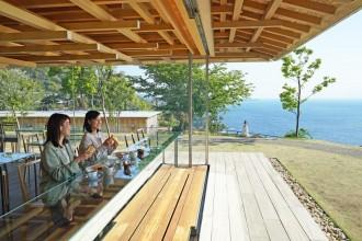 熱海の絶景スポットを貸し切りで朝食 隈研吾さん設計の「COEDA HOUSE」で