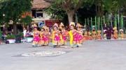 バリで伝統芸能発表会 子どもたちが日頃の成果披露