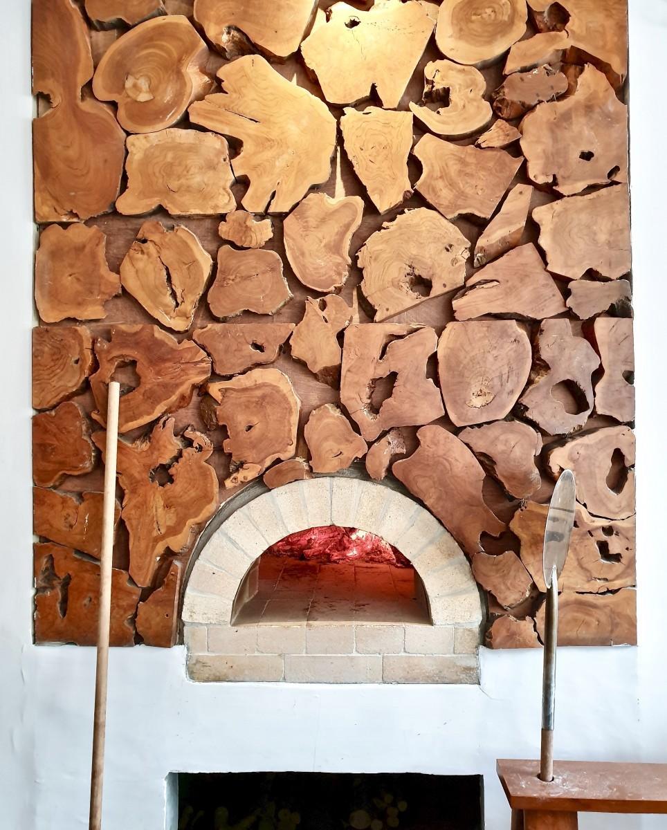 ピザを焼く石窯