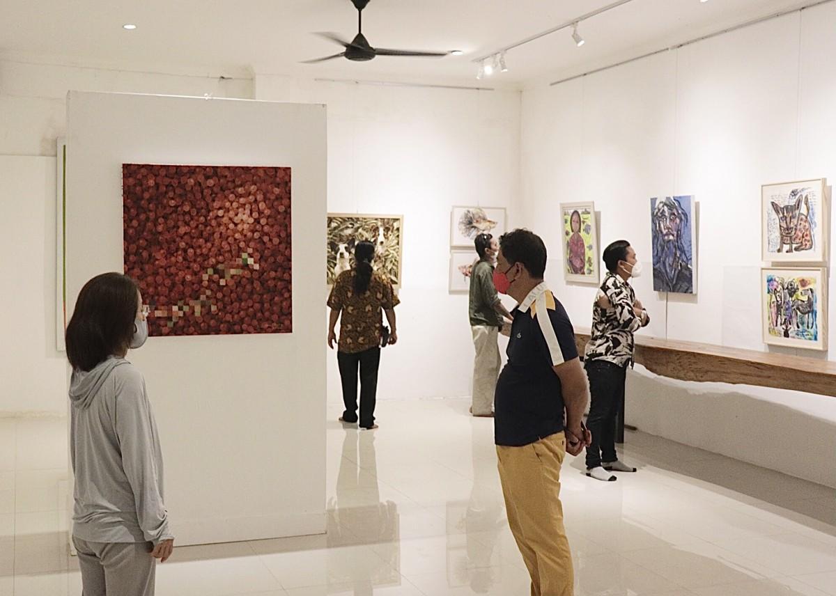 美術展「move on」 Bidadari Art Space(ビダダリアートスペース )で展示の様子