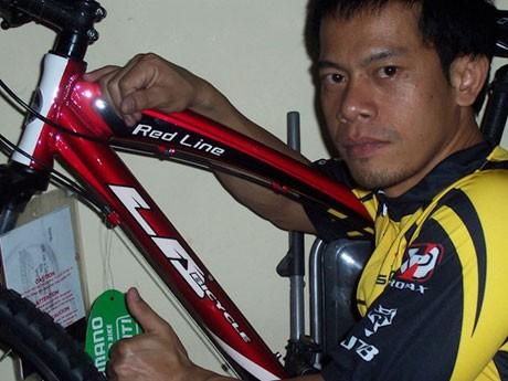 「Thai Charity Bike Ride Around the World Project」に挑戦するアタニットさん