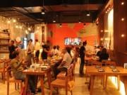 バンコクに和食とタイ東北料理の創作料理店-揚げコオロギすしも