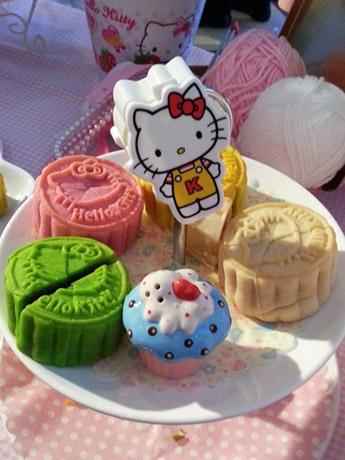Hello Kitty Mooncake Collection