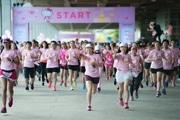 バンコクで「ハローキティラン」 5000人以上が参加