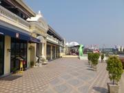 バンコク・チャオプラヤー川沿いで「ウオーター・フェスティバル」