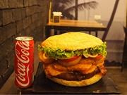 バンコクで巨大バーガー企画 制限時間内に完食するとギフト券など
